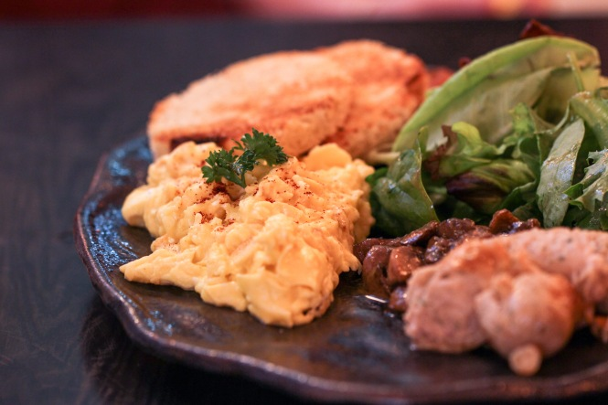 Spathe Platter (with Scrambled Eggs) :: $24+