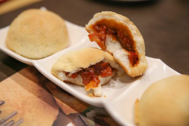 Baked Bun with BBQ Pork (3pcs) :: SGD4.50++
