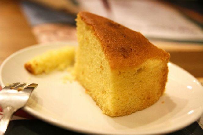 Lemon Cake :: $3.80+