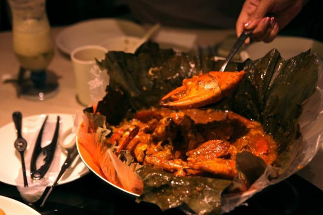 Braised Chili Crab wrapped in Lotus Leaf.