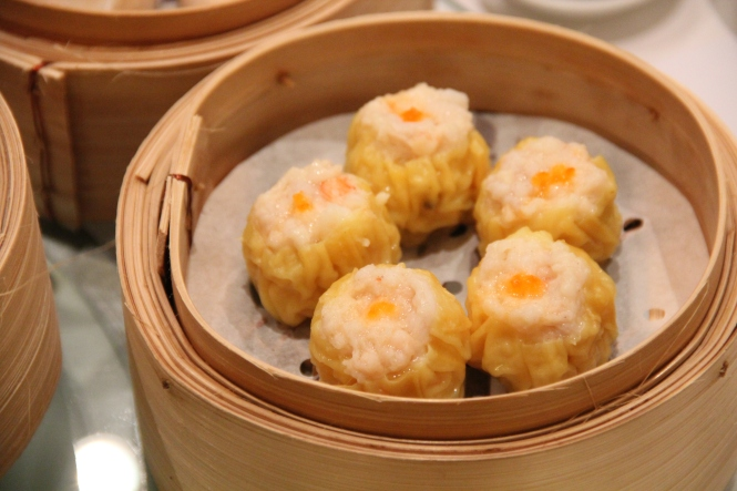 Steamed Siew Mai with Crab Roe :: $6.20++