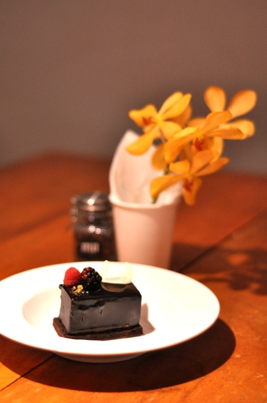 Duo Chocolate Mousse on Brownie :: $8+