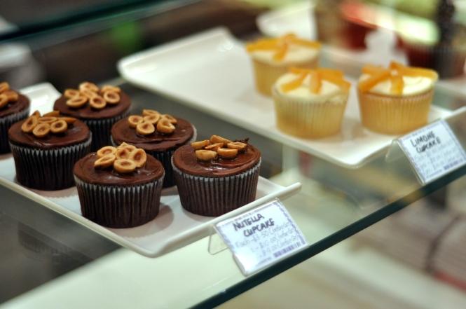 Limone Cupcake :: $3.50++