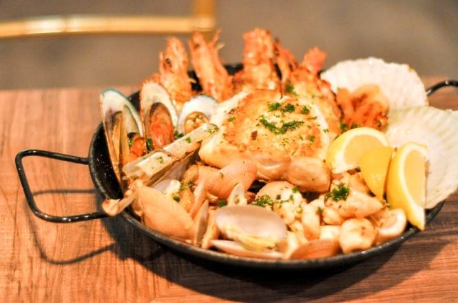 Seafood Platter (for 2) :: $69++