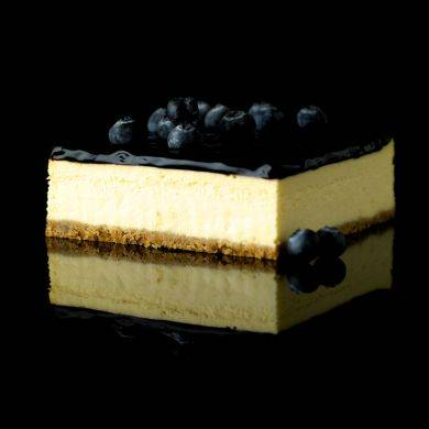 Obolo's Blueberry Cheesecake (SGD27.39): dressed with premium blueberry fruit filling from Belgium.