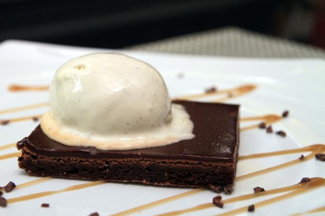 Sticky Valrhona Chocolate Brownie :: $12++
