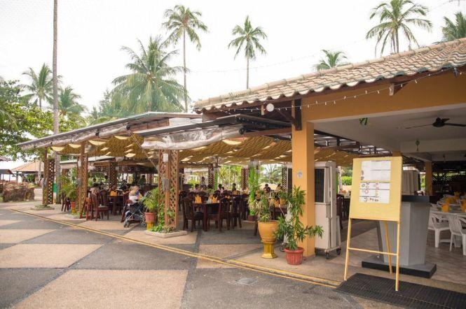 Poolside Restaurant.