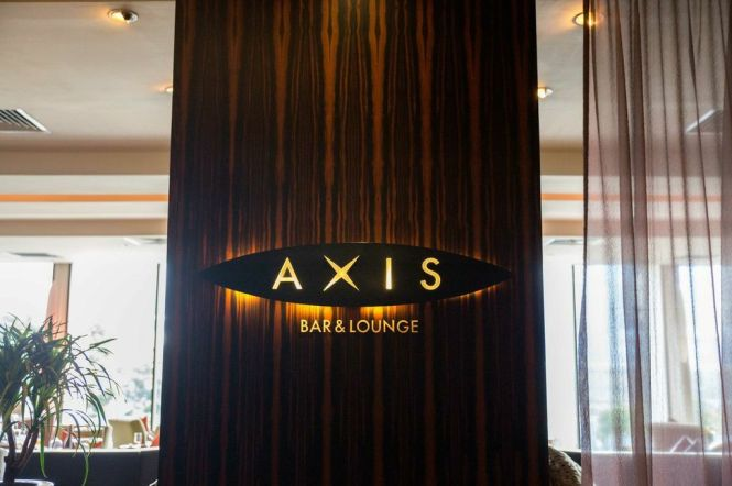 Axis Bar and Lounge @ Mandarin Oriental Singapore.