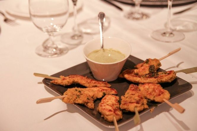 Bombay Tawa Chicken. Skewered Grilled Chicken :: $31++