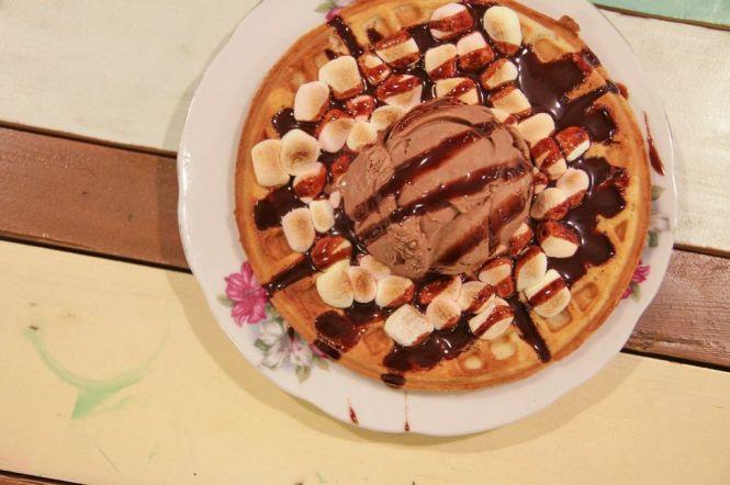 Smores Waffle :: $7.50