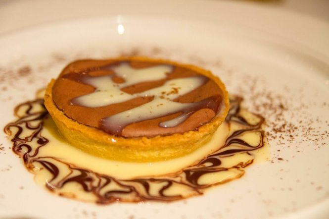 Dark Chocolate Tart with White Chocolate Sauce :: $18++