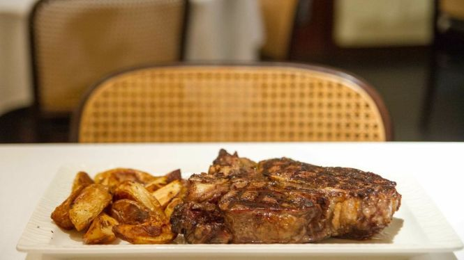 Traditional Fiorentina with Roasted Potato :: $12 / 100g