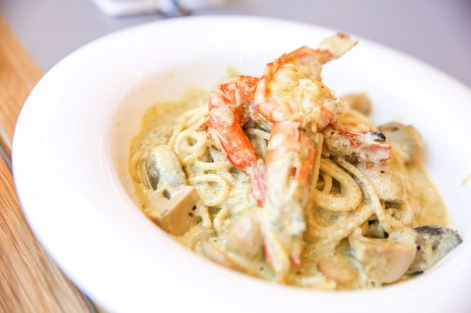 Shrooms Green Curry Pasta :: $12.90