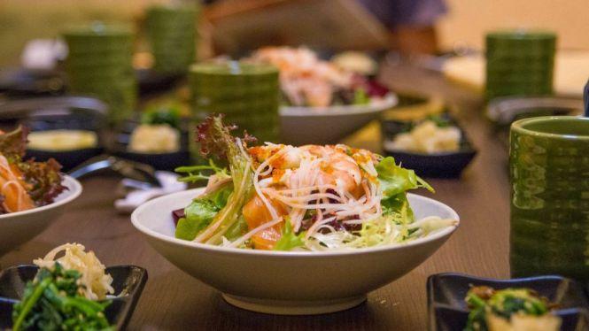 Seafood Salad :: $15.80++