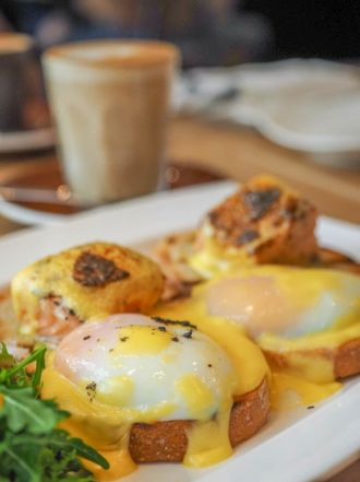 62 Degrees Eggs Benedict with Smoked Salmon :: $22++