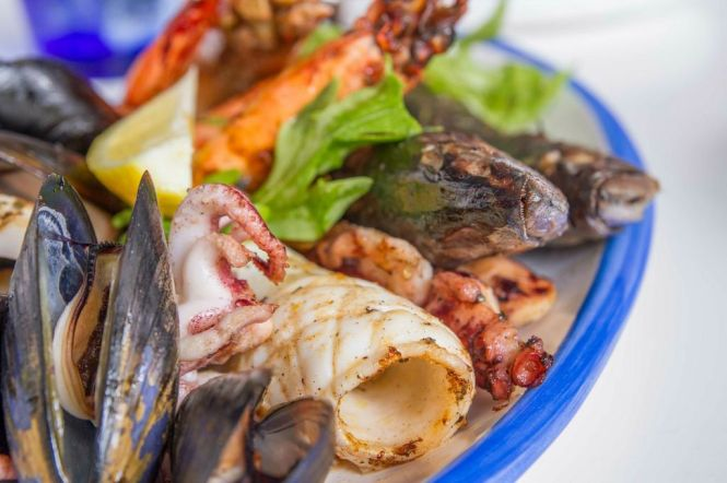 Mixed Grilled Seafood Platter :: $89 - $260++