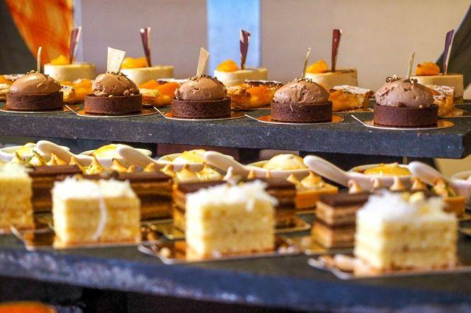 Dessert Counter 2.