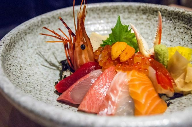 Assorted Sashimi on Rice :: $65++