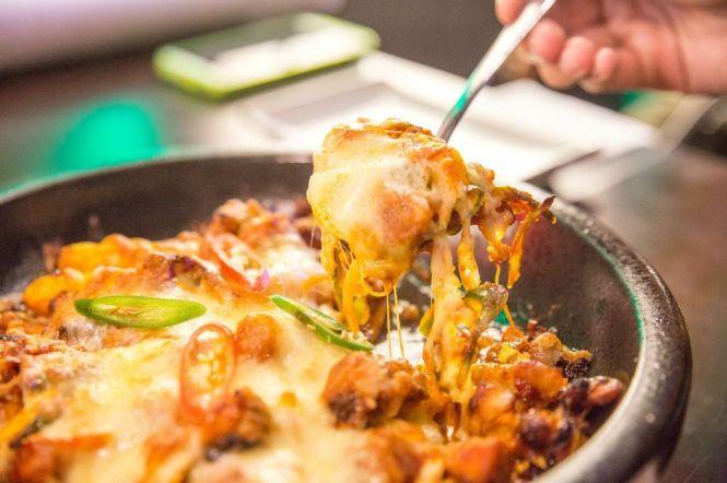 Cheese & Spicy BBQ Chicken :: $34++