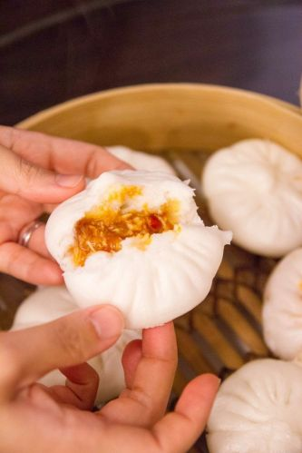 Steamed Chilli Crab Bun :: $8++/3pieces