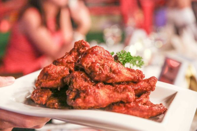 Chicken Wings :: $8++/6 or $14++/12