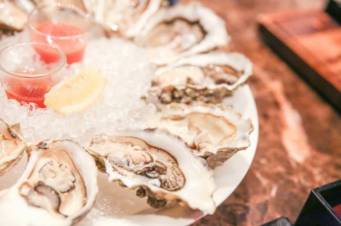 Live Oysters :: $26++/6 or $38++/12
