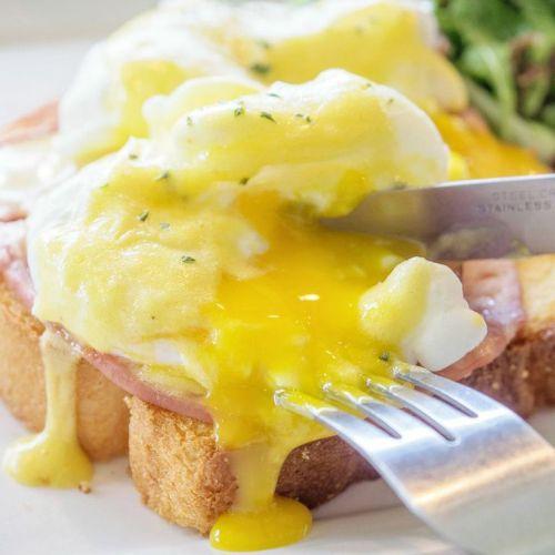 Eggs Benedict :: $13.50++