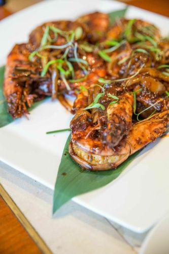 Black Pepper Prawns :: $13++/100g