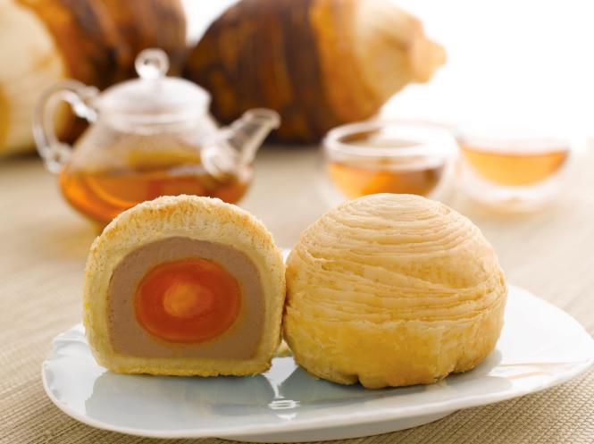 Yam Mooncake with Single Yolk :: $52/box of 4